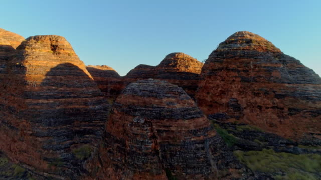 avs sandstone towers in purnululu national park - outback stock videos & royalty-free footage