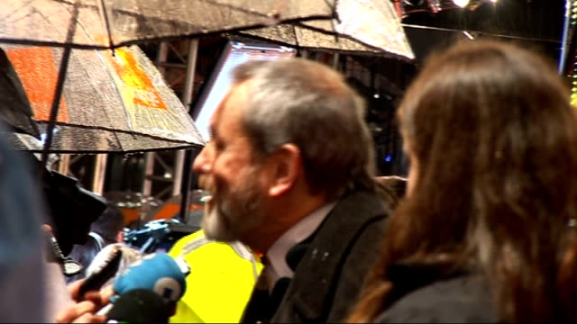 stockvideo's en b-roll-footage met red carpet arrivals and interviews with itn on general view terry gilliam speaking to press / mark kermode along on red carpet / more of terry... - terry gilliam