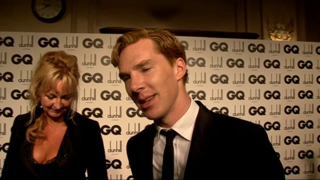 stockvideo's en b-roll-footage met gq awards benedict cumberbatch interview sot on getting dressed up doing new hbo show 'parade's end' on what he is wearing john taylor as interviewed... - duran duran