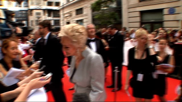 stockvideo's en b-roll-footage met arrivals and interviews gail porter talking to press on red carpet/ sheila hancock talking to press on red carpet/ miranda hart interview sot - gail porter