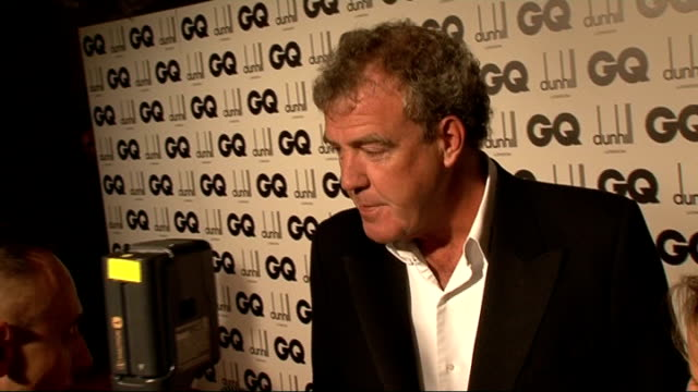 london royal opera house jeremy clarkson meeting press outside gq awards / clarkson jokes about his suit / clarkson saying it took him 20 seconds to... - jeremy clarkson stock-videos und b-roll-filmmaterial