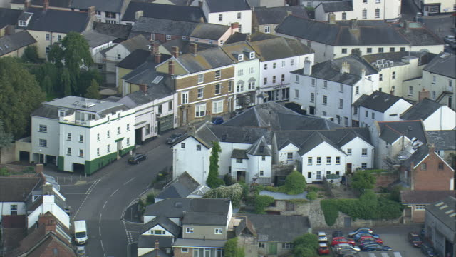 vidéos et rushes de axminster and st mary's church - angleterre