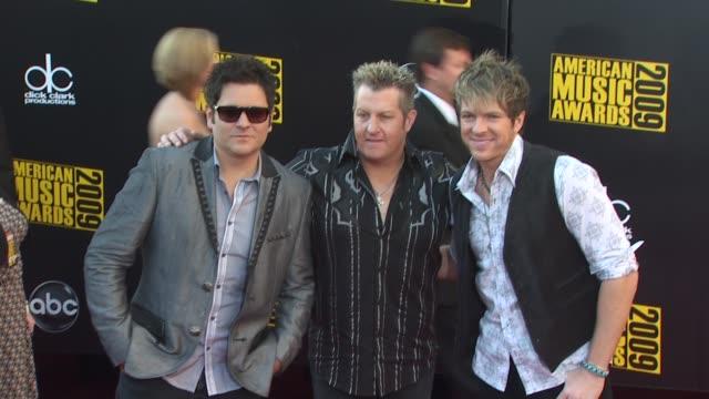 ay demarcus gary levox and joe don rooney of rascal flatts at the 2009 american music awards arrivals at los angeles ca - rascal flatts stock videos & royalty-free footage