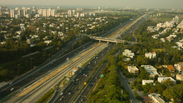 ayalon highway tel aviv city aerial shot - tel aviv stock-videos und b-roll-filmmaterial