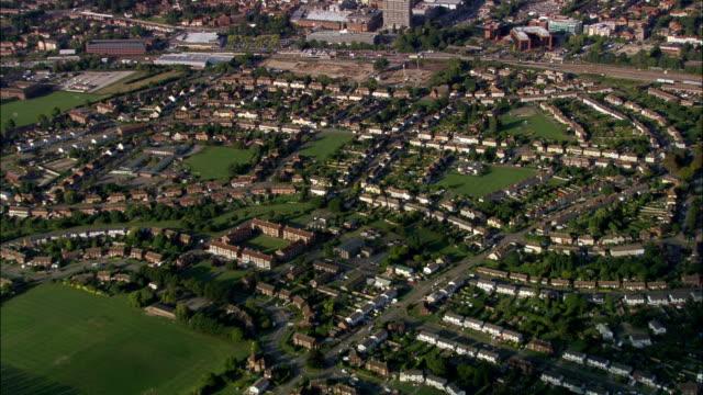 アリスバーリー -航空写真イングランド、バッキンガムシャー、aylesbury ヴァーレ、イギリス - バッキンガムシャー点の映像素材/bロール