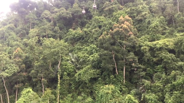 ba na hills mountain resort cable car - danang stock videos & royalty-free footage
