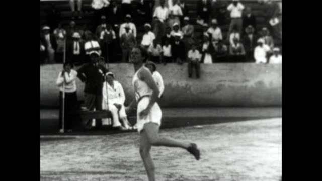babe didrikson zacharias throws the javelin and performs in the high jump at the 1932 los angeles olympic games - 一等賞点の映像素材/bロール