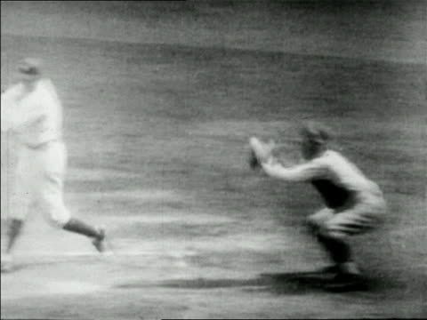 vídeos de stock e filmes b-roll de babe ruth hitting baseball running in game / newsreel - camisola de basebol