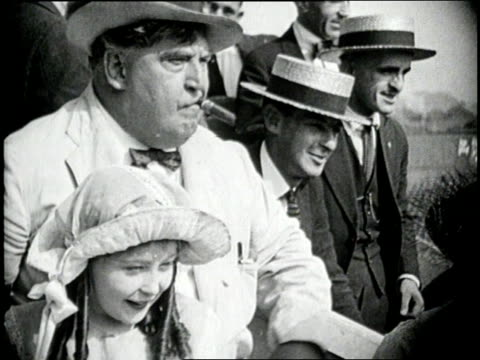babe ruth, now a yankee, hits a home run in new york's polo stadium - ニューヨーク・ヤンキース点の映像素材/bロール