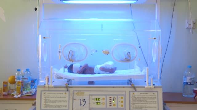 baby breathes in hospital ventilator machine, wide shot - baghdad stock videos & royalty-free footage