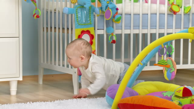 HD DOLLY: Baby Crawling And Exploring