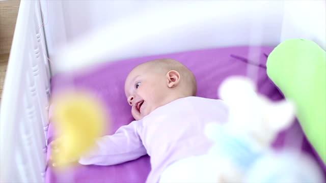 赤ちゃんには、ベビーベッド