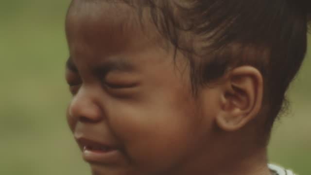 vídeos y material grabado en eventos de stock de problemas con los bebés - falta de respeto