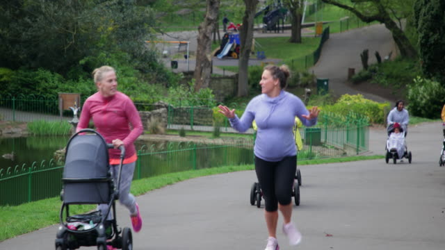 baby strollers on a run - jogging stock videos & royalty-free footage