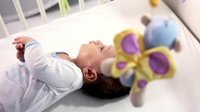 vídeos de stock, filmes e b-roll de bebê - só bebês meninos