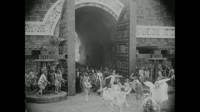 babylonian royalty parade through the gates of imgur bel - silent film stock videos & royalty-free footage