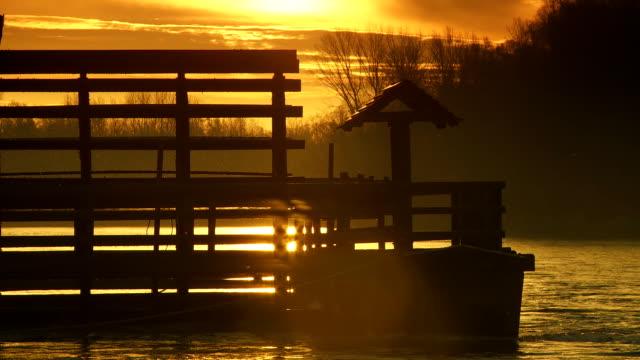 vídeos y material grabado en eventos de stock de hd: contraluz watermill tradicional - back lit