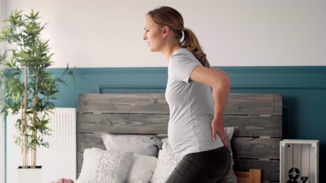 vidéos et rushes de back pain/ debica/ poland - massage femme enceinte
