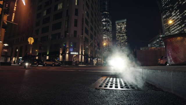 vídeos y material grabado en eventos de stock de back street - asfalto