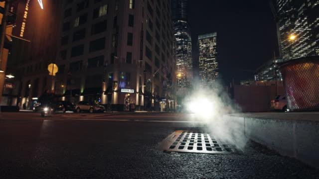 vídeos de stock e filmes b-roll de back street - alfalto