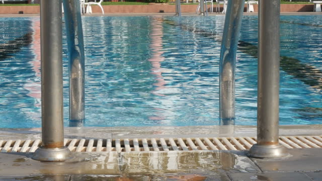 background of swimming poolside