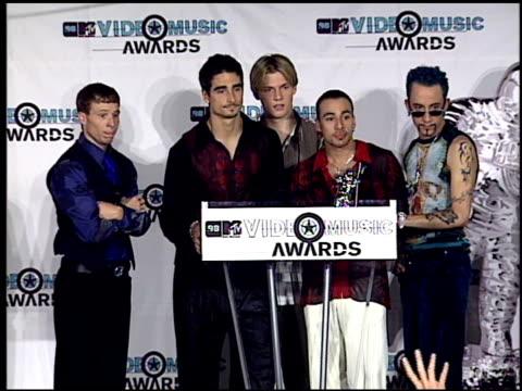 backstreet boys at the 1998 mtv video music awards press room at universal amphitheatre in universal city, california on september 10, 1998. - backstreet boys stock videos & royalty-free footage