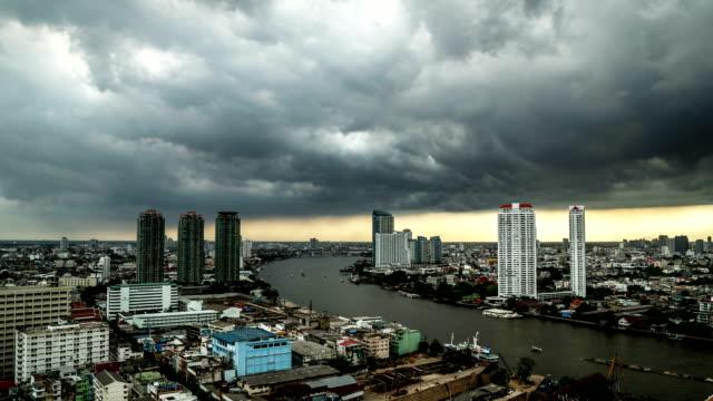 Schlechte Sturm auf die Stadt