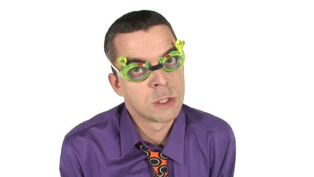 vídeos de stock, filmes e b-roll de hd: bad moderar - camisa e gravata