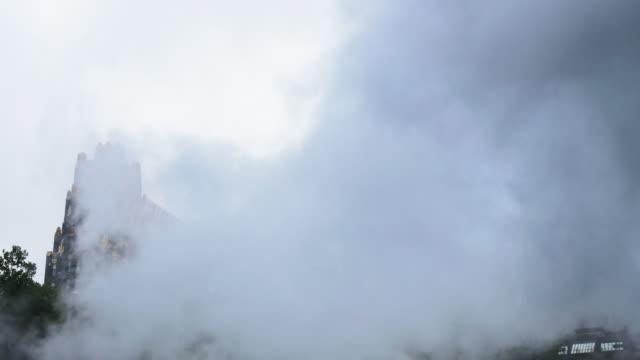 vidéos et rushes de mauvais temps à new york city - image contrastée