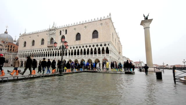 bad weather in venice - column flooding - venice italy stock videos & royalty-free footage