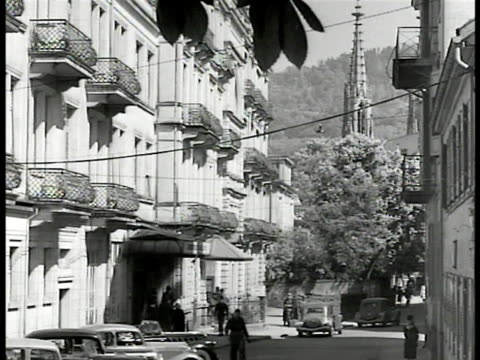 stockvideo's en b-roll-footage met baden landscape mountain germany ws baden street buildings ms french commandant in germany building french soldiers int french general marie p koenig... - 1946