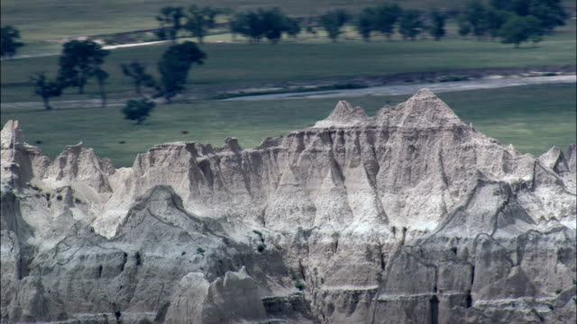 badlands national park  - aerial view - south dakota, shannon county, united states - badlands national park stock videos & royalty-free footage