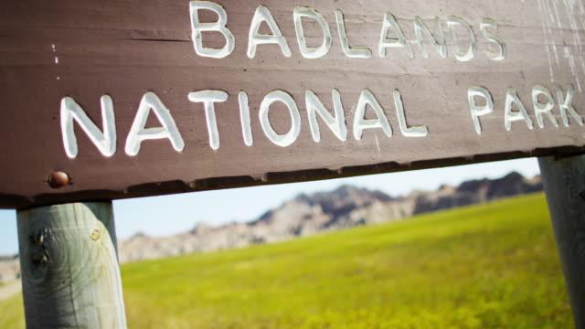badlands south dakota national park desert buttes usa - south dakota stock-videos und b-roll-filmmaterial
