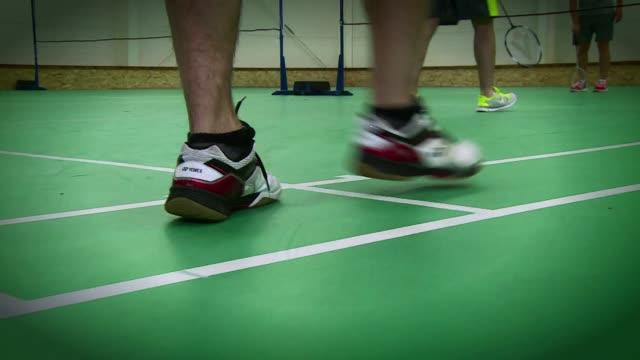 stockvideo's en b-roll-footage met badminton court - spelkandidaat