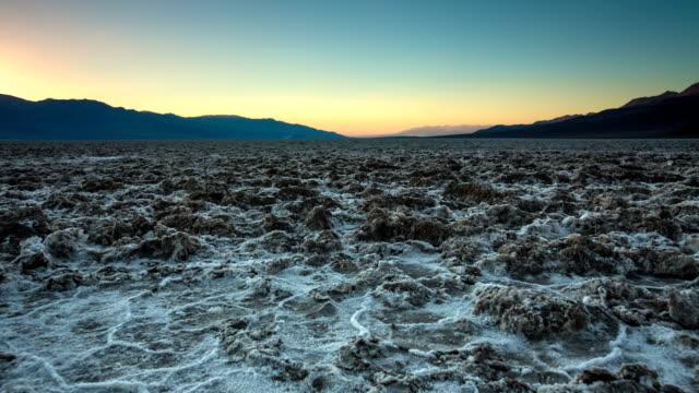 vídeos y material grabado en eventos de stock de badwater cuenca del valle de la muerte - parque nacional death valley