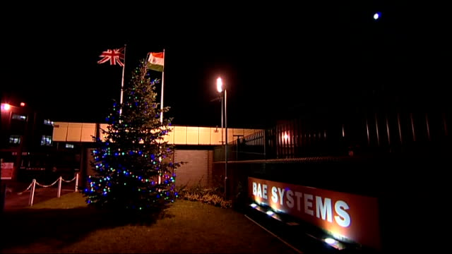 vídeos de stock e filmes b-roll de bae workers hand in petition to downing street england yorkshire brough gvs bae systems factory with christmas tree outside / name sign 'bae systems'... - street name sign