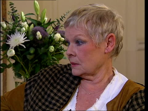 vidéos et rushes de bafta nominations dame judi dench interviewed sot and i didn't expect it - judi dench