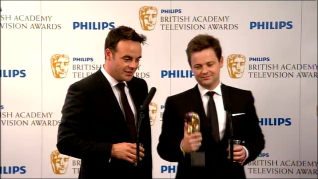 backstage interviews ant dec backstage press conference sot - 2010 video stock e b–roll