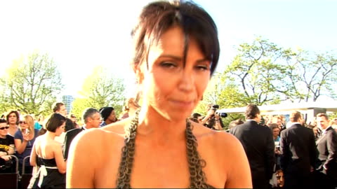 vidéos et rushes de red carpet arrivals; bleakley interview sot - on clothes / on pressure of having to look good / on gmtv line-up - she doesn't like early mornings... - adrian chiles