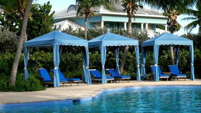 vidéos et rushes de bahamas la piscine - station de vacances