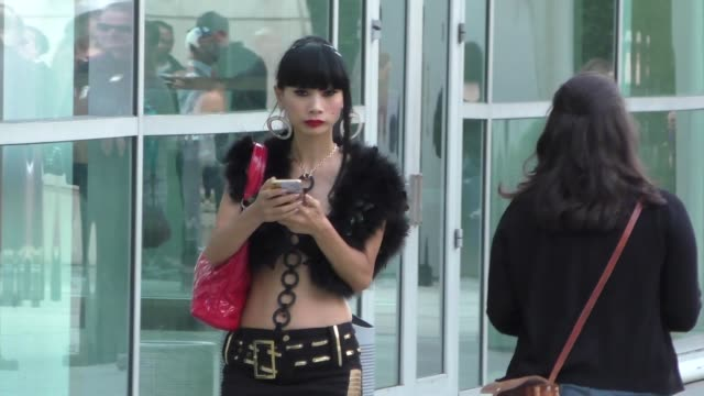 vídeos de stock, filmes e b-roll de bai ling arriving to arclight theatre in hollywood in celebrity sightings in los angeles - bai ling