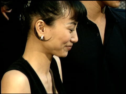 vídeos de stock, filmes e b-roll de bai ling at the 'kiss of the dragon' premiere at leows in century city, california on june 25, 2001. - bai ling