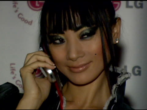 vídeos de stock, filmes e b-roll de bai ling at the lg at stuff style awards at the roosevelt hotel in hollywood california on september 7 2005 - bai ling
