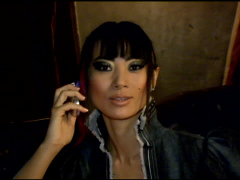 vídeos de stock, filmes e b-roll de bai ling at the lg at stuff style awards at the roosevelt hotel in hollywood, california on september 7, 2005. - bai ling