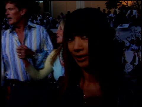 vídeos de stock, filmes e b-roll de bai ling at the 'mr and mrs smith' premiere on june 7 2005 - bai ling