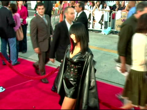 vídeos de stock, filmes e b-roll de bai ling at the 'mr and mrs smith' world premiere at the mann village theatre in westwood california on june 7 2005 - bai ling