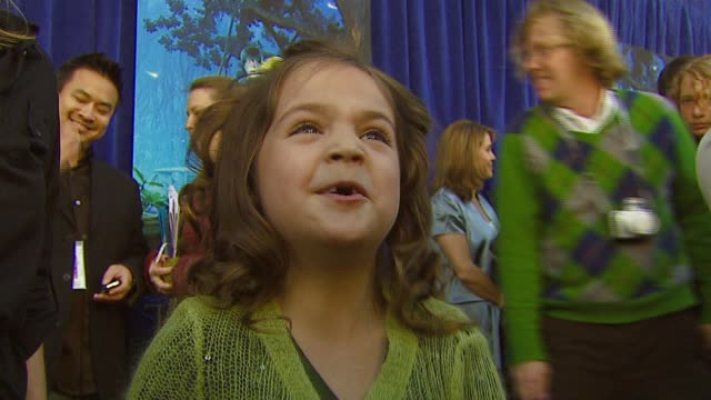 bailee madison on the film, working with special effects at the 'bridge to terabithia' premiere at the el capitan theatre in hollywood, california on... - el capitan theatre stock videos & royalty-free footage