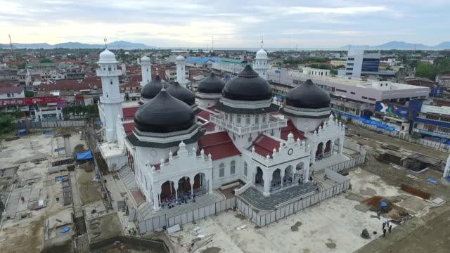 baiturrahman grand mosque, banda aceh. - moské bildbanksvideor och videomaterial från bakom kulisserna