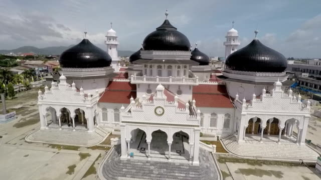 Baiturrahman Mosque is one of the most well known popular mosque in Indonesia a country with largest muslim population in the world Baiturrahman is...