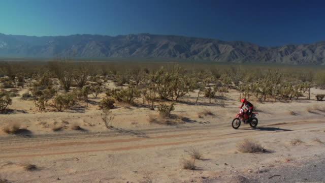 stockvideo's en b-roll-footage met baja motorbike - schiereiland baja california